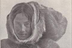 אישה ממפרץ רופלס, קנדה, סביבות 1921