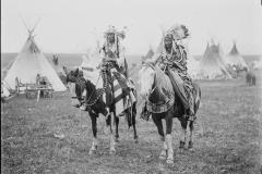 Man-and-wife-on-horseback-1909-McClintock-800-666