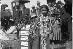 Two-little-girls-1909-McClintock-800-988